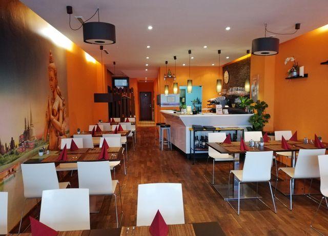 Oums-Thai-Restaurant.jpg
