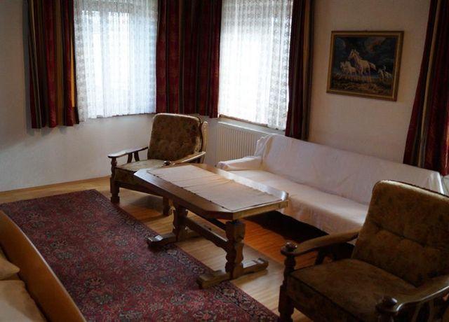 Sitzecke-im-Doppelzimmer.jpg