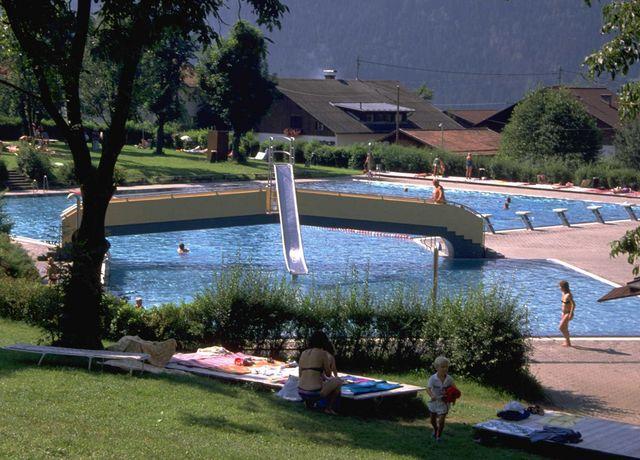Zirl-Schwimmbad1.jpg
