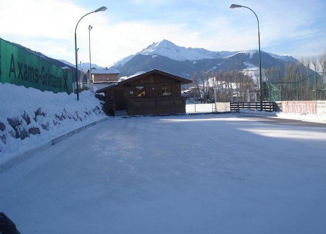 Eisstockplatz-Axams.jpg