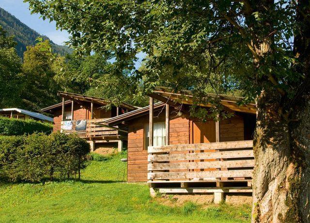 Bungalow-Camping-Eichenwald.jpg
