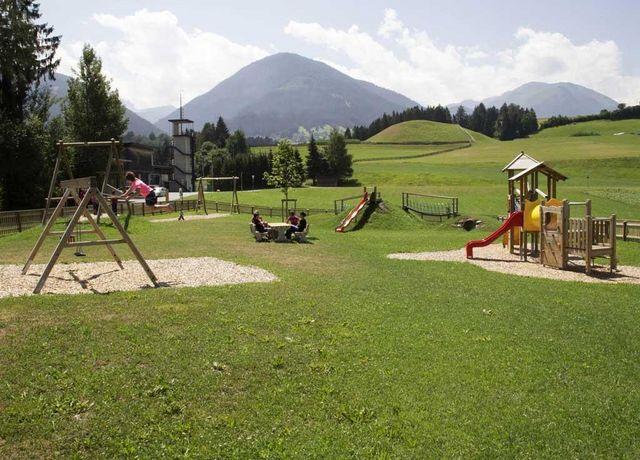 Erlebnis-Spielplatz-am-Buergl-Oberp.jpg