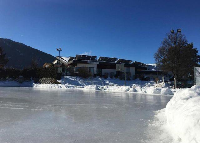 Eislaufplatz-beim-FZZ-Axams.jpg
