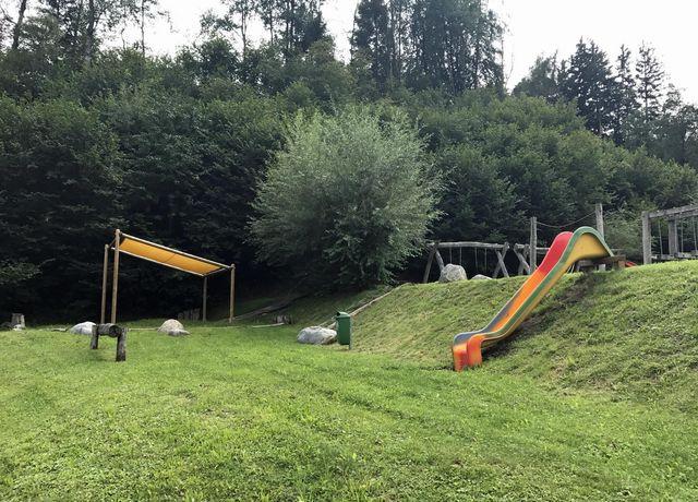 Kinderspielplatz-in-Oberhofen-im-Inntal.jpg