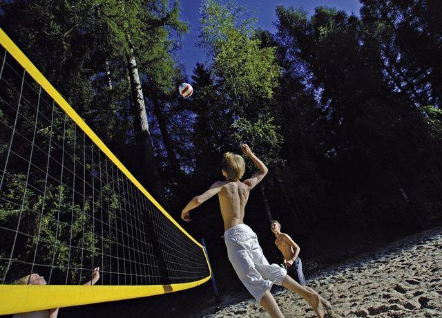 Volleyball-am-Natterer-See.jpg