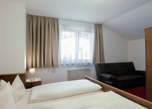 Schlafzimmer-Brennerspitz.jpg