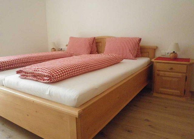 FeWo-Wiesenblick-Schlafzimmer.jpg