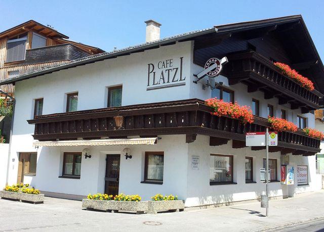 Cafe-Platzl1.jpg