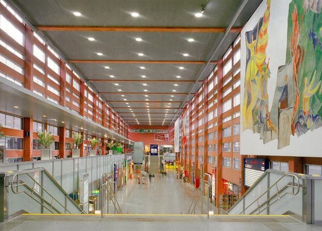 Hauptbahnhof-innen.jpg