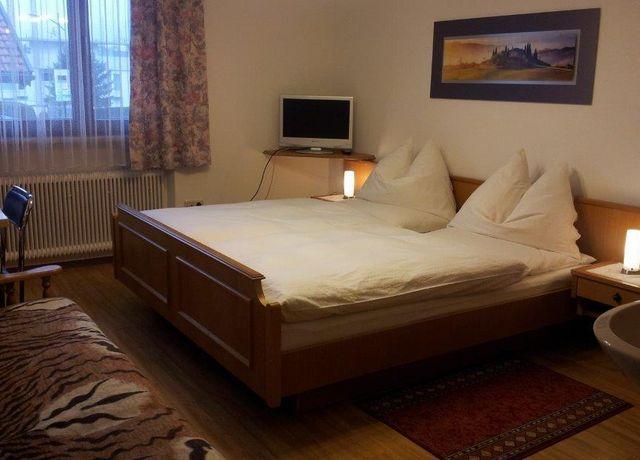 Zimmer-2.jpg