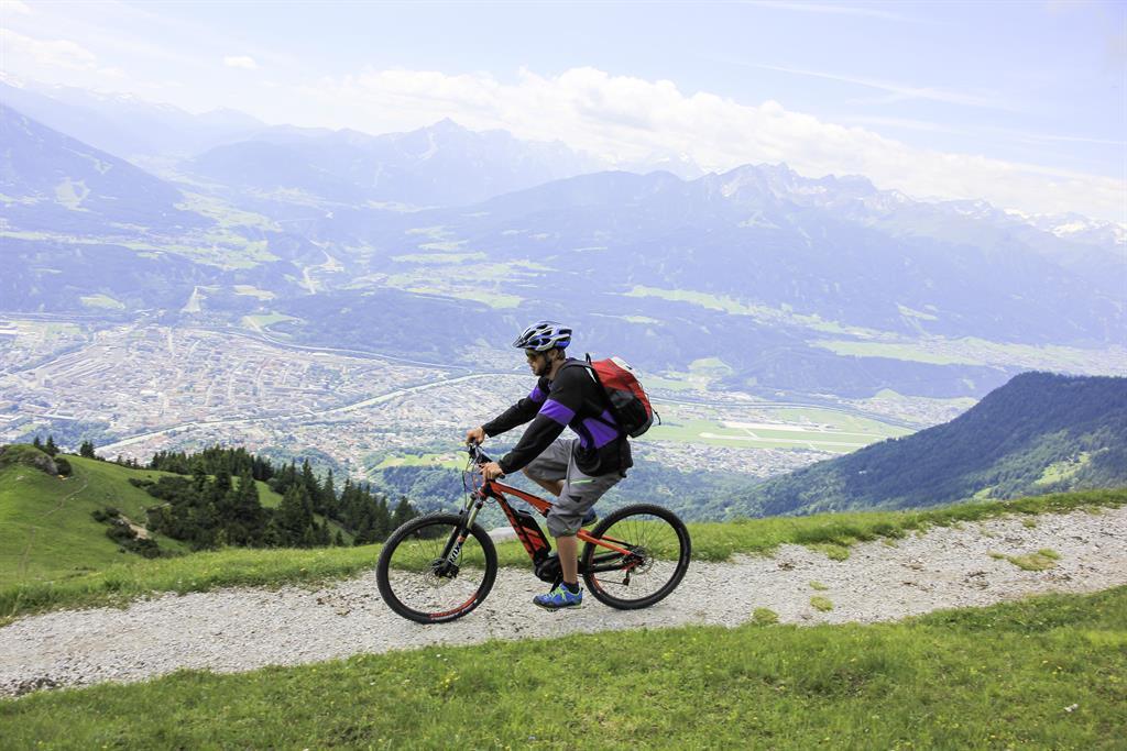 E-Bike Ladestation: Tourist Center Garage (AC Hotel Innsbruck)