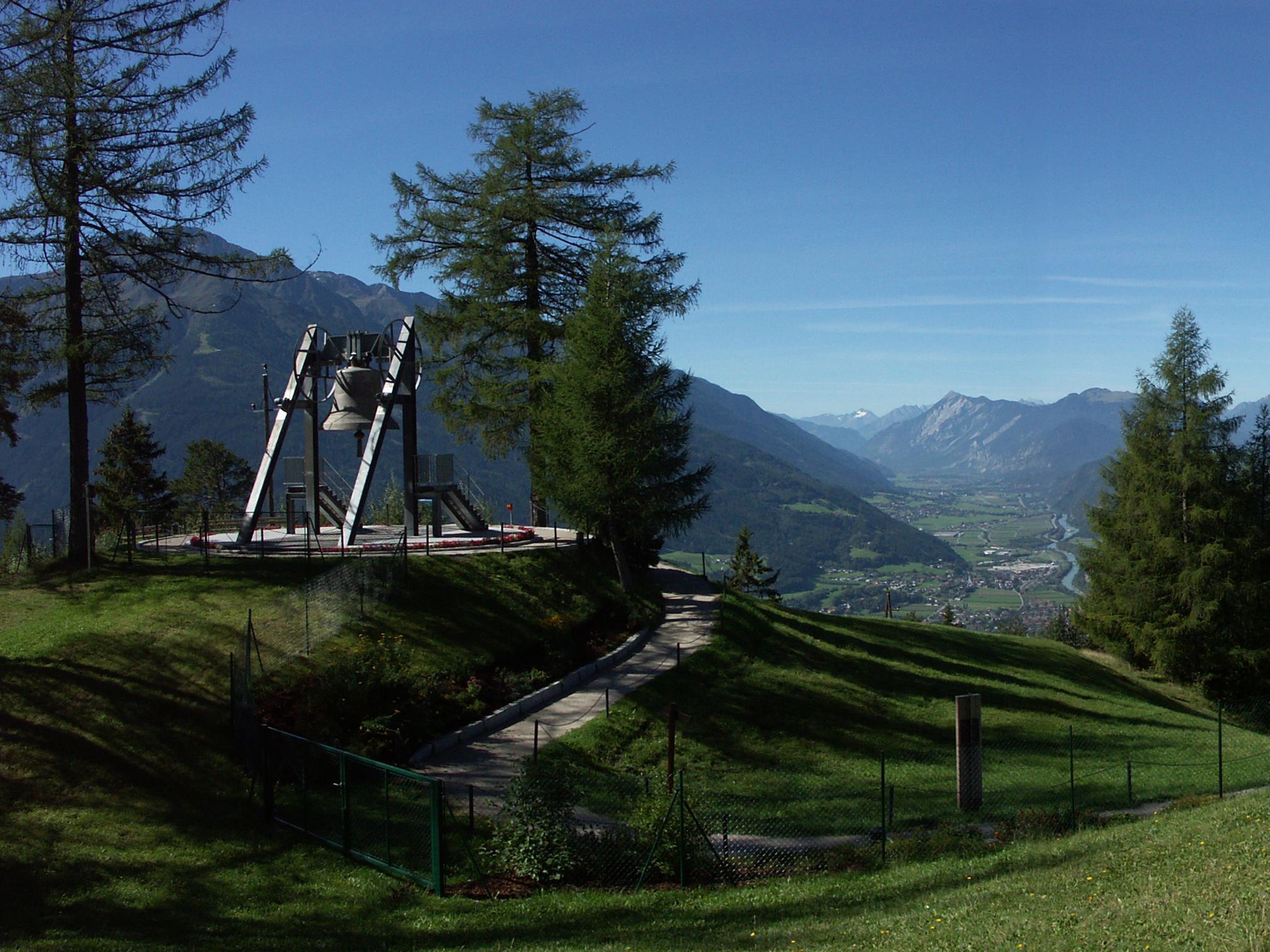 Friedensglocke des Alpenraumes Telfs-Mösern