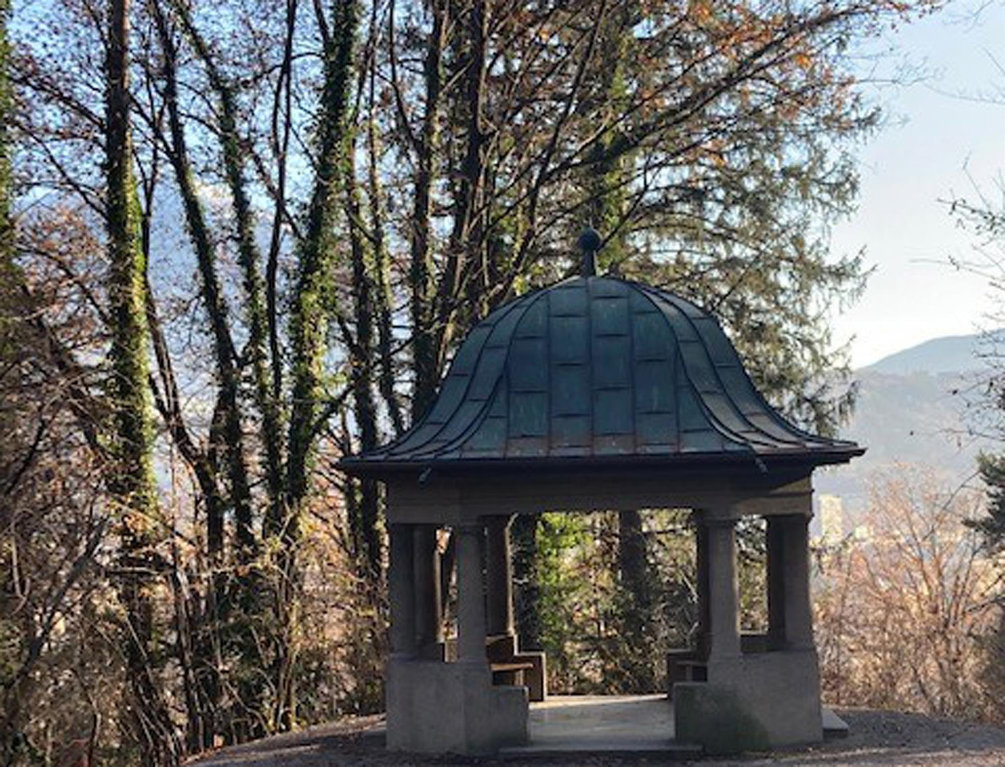 Pavillon nähe Alpenzoo