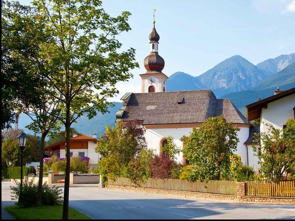 Pfarrkirche Unterperfuss