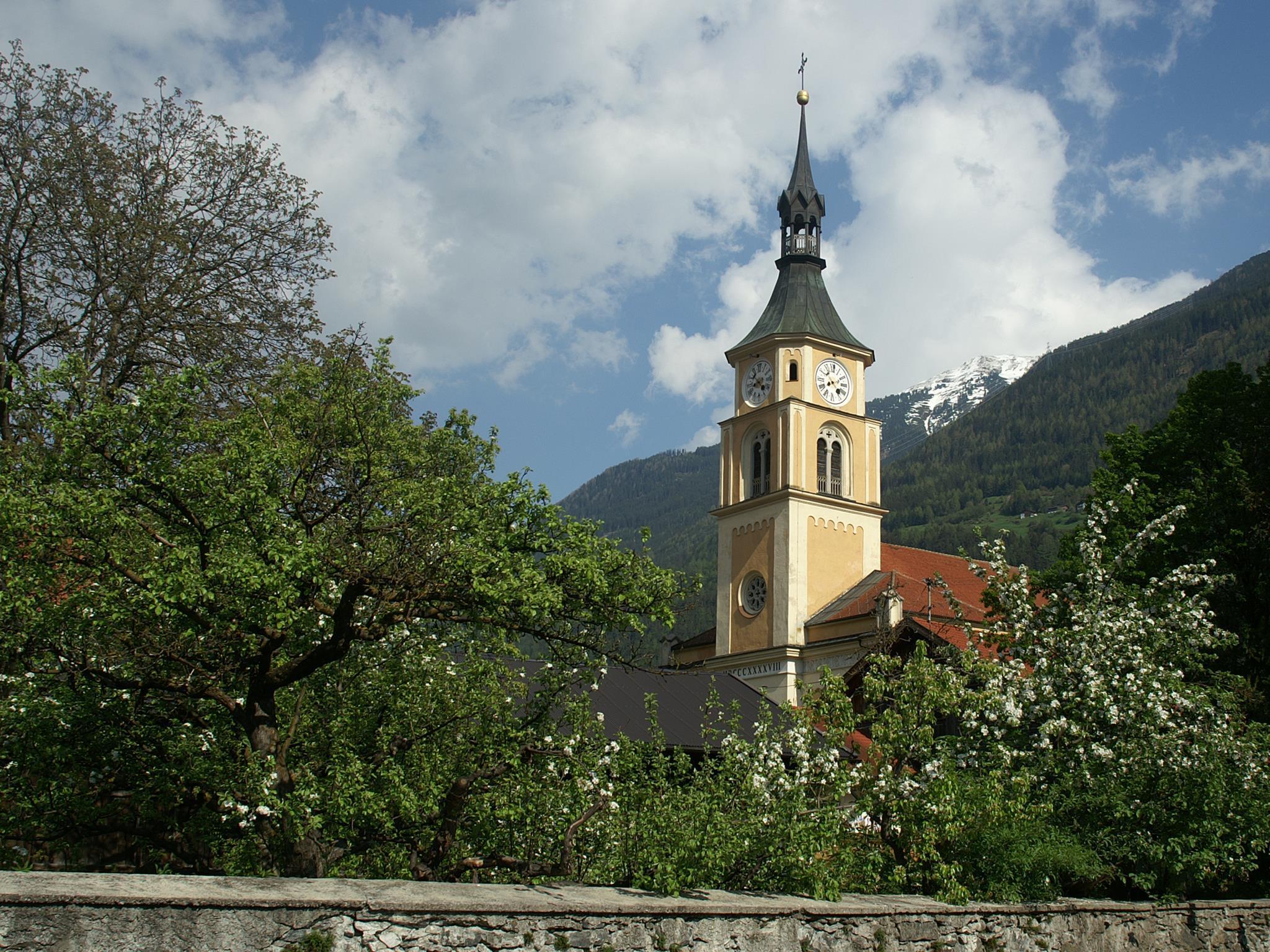 Pfarrkirche Hl. Apostel Petrus & Paulus