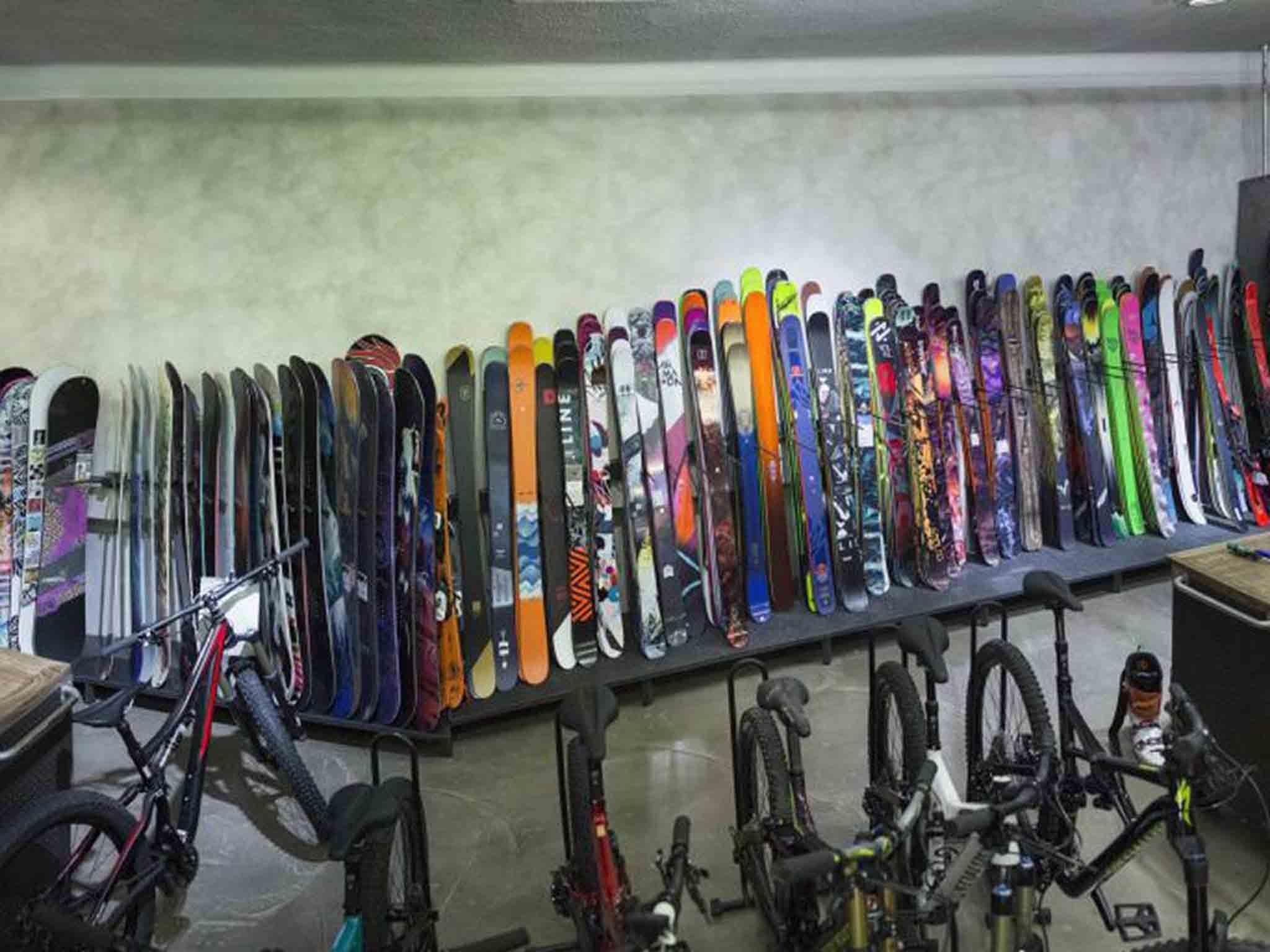 """""""Die Börse"""" Rental Ski- und Snowboardservice"""