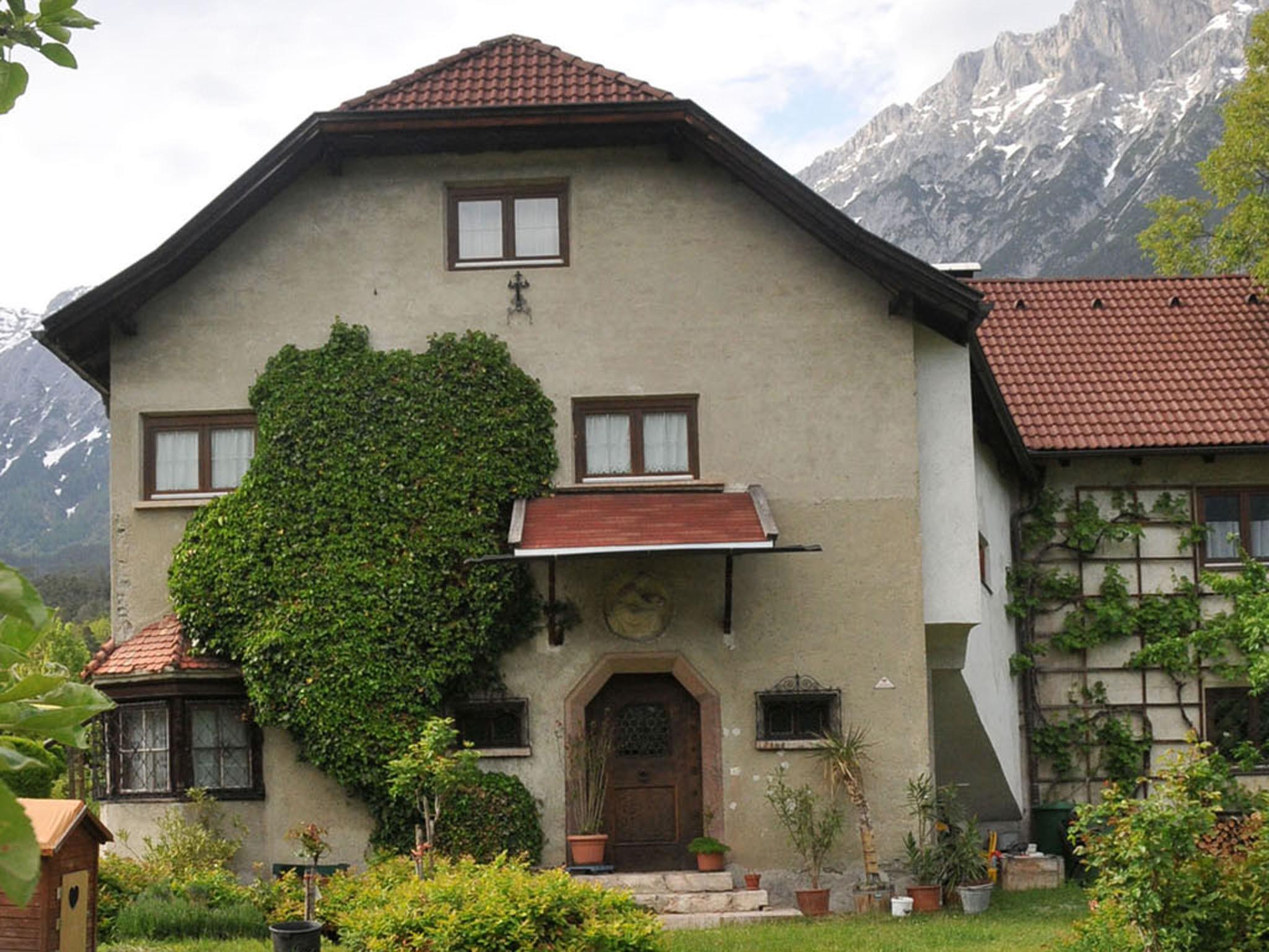 Villa & Büste Einberger